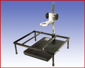 Regulowany statyw z uchwytem oraz ramą do płyt PCB Quick 800L