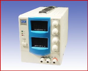 Jedno-zakresowy zasilacz napięcia stałego QS305