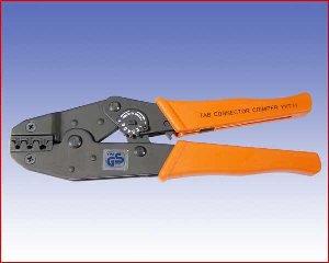 Ręczna praska YYT11 do konektorów 0,5-1 /1,1-2,5 /4-6 mm² (20-17 /16-13 /11-9 AWG)