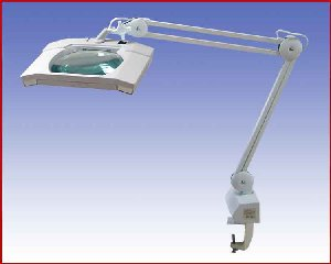 Lupa lampa, model: LP 8069 x5D UV